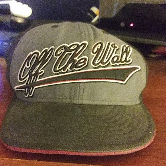 0f2e7cd2 Vans Other | Off The Wall Fitted Hat 7 14 577cm | Poshmark